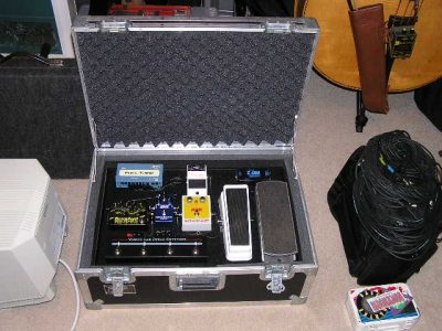 Heavy duty flight case with accessory compartment