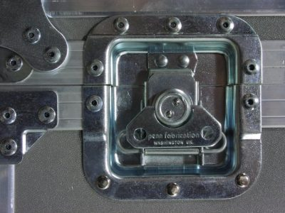 Recessed latch