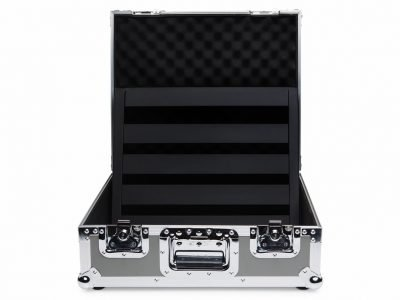 novo-18-tour-case-open-pedaltrain-pro-stage-gear